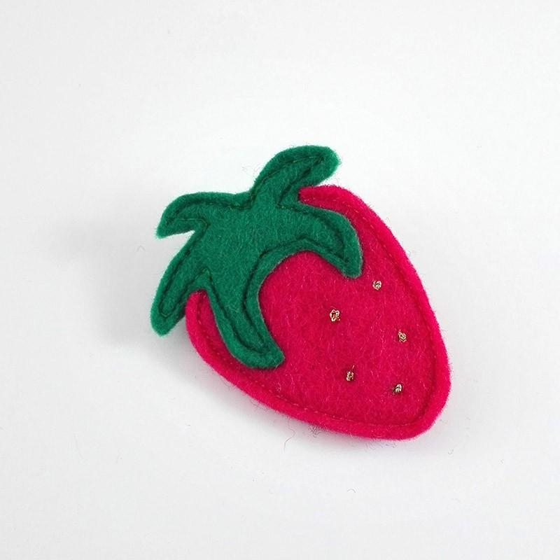 Anne-Lise Pichon - Broche fraise